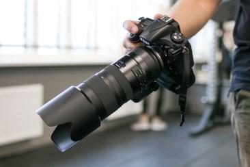 Nikon D810 + Tamron 70-200 f/2.8 G2 minu käes, võrdluseks...