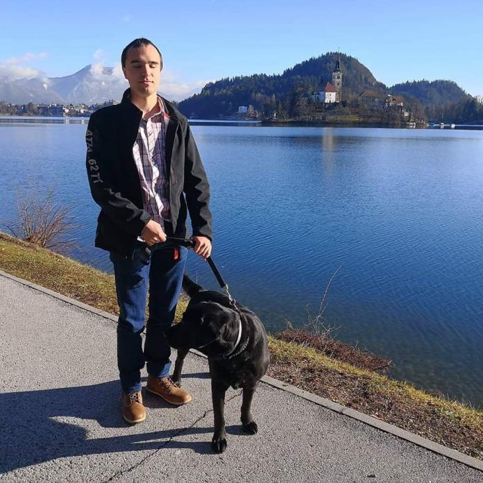 Miha Srebrnjak in njegov pes Dante