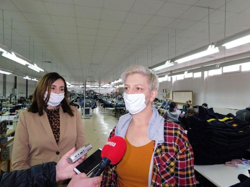 Mrkonjić Grad: Načelnica posjetila tri mrkonjićke firme koje šiju besplatne zaštitne maske