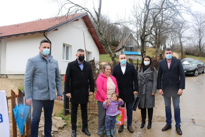 Mrkonjić Grad: Novi dom za porodicu Zeljković-Mladenović