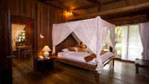 Nusa Indah Villa - Master Bedroom