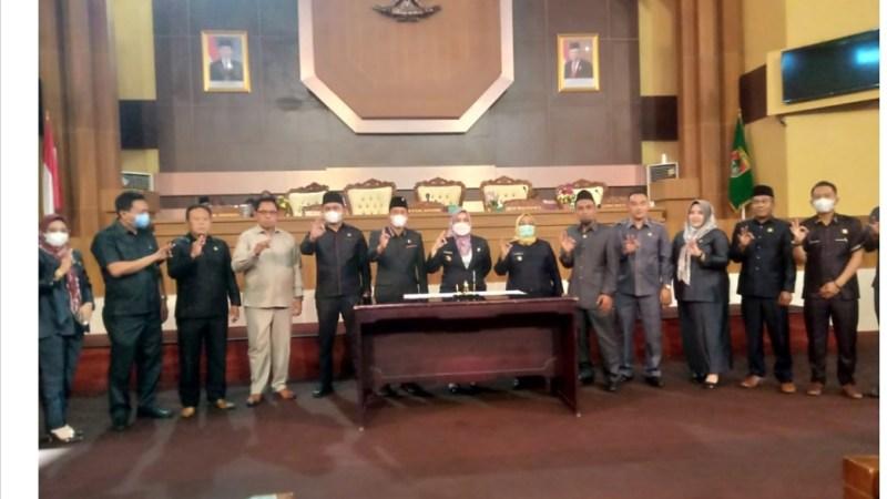 DPRD Bersama Bupati Mura MoU Nota Kesepakatan KUA dan PPAS Perubahan TA 2021