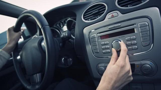 musik di mobil