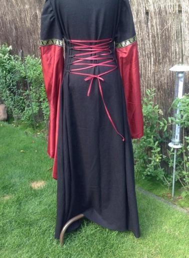 Kleid schwarz rot Schnürung