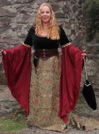 Edles Kleid mit Brokat