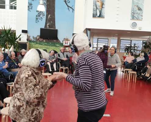 silent disco in de zorg