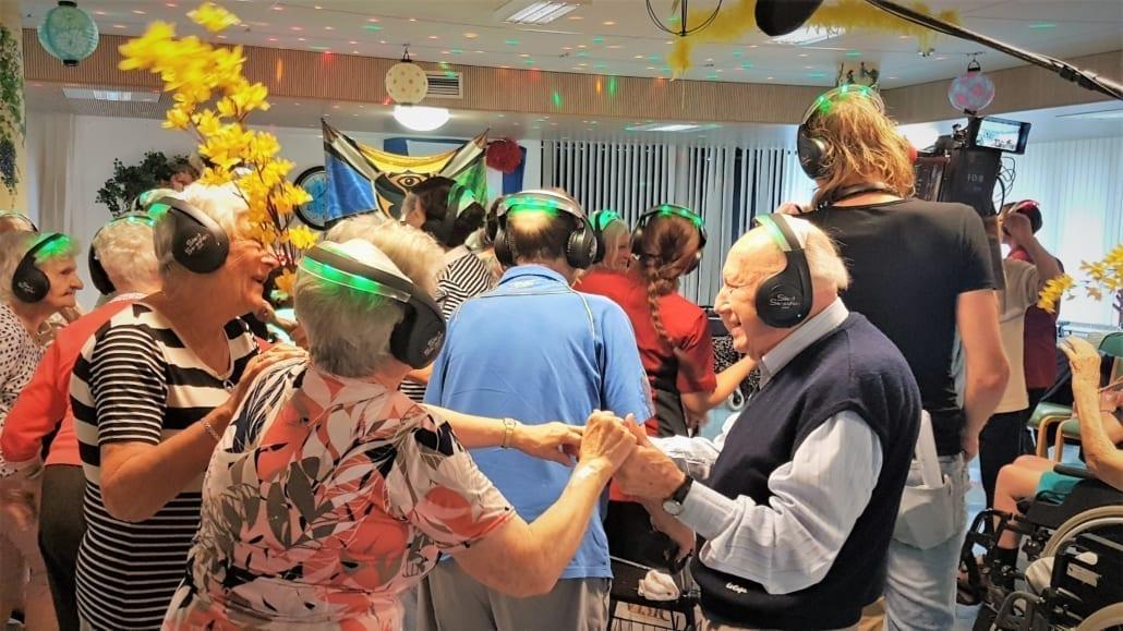 senioren silent disco dansen zorgcentrum