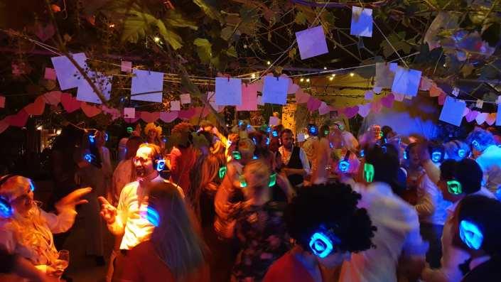 silent disco party bruiloft feest