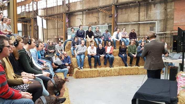 silent workshop hooibalen tribune