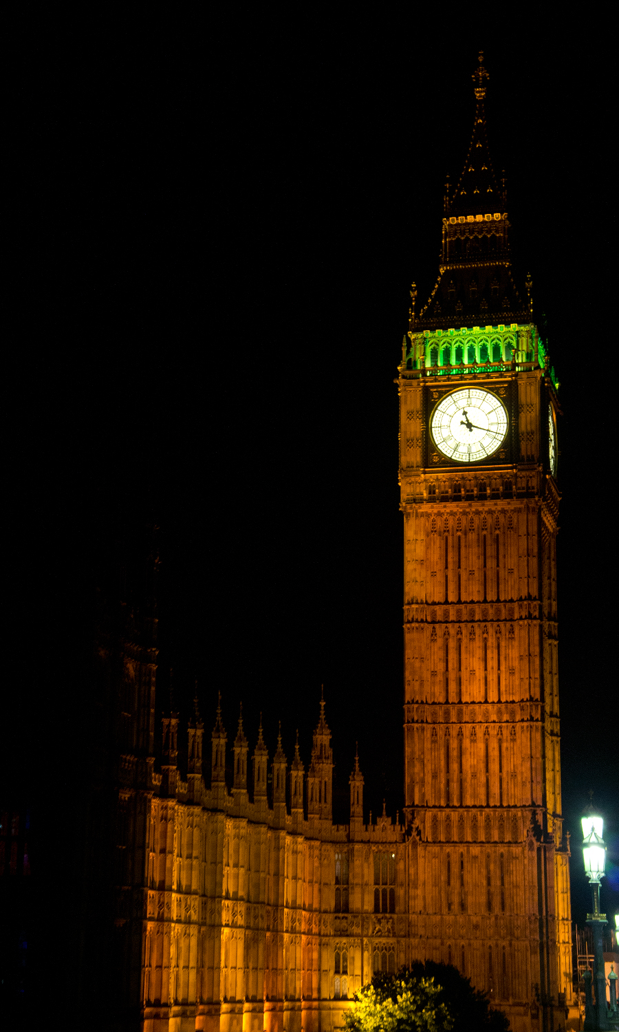 2014-big-ben-parliament-night-london-uk-04