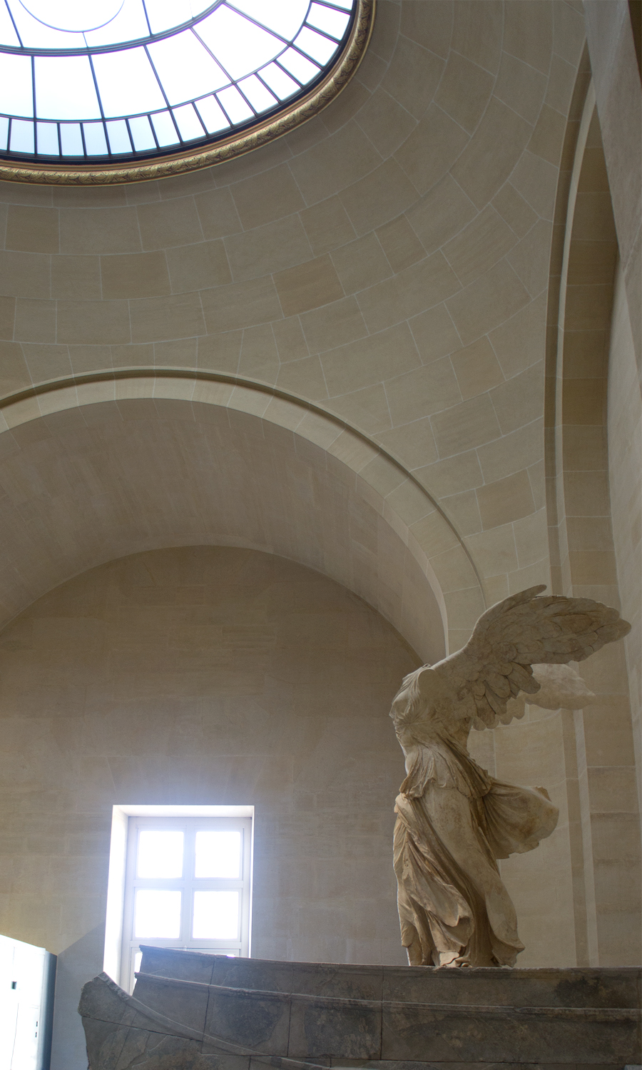 2014-louvre-museum-paris-france-02-2