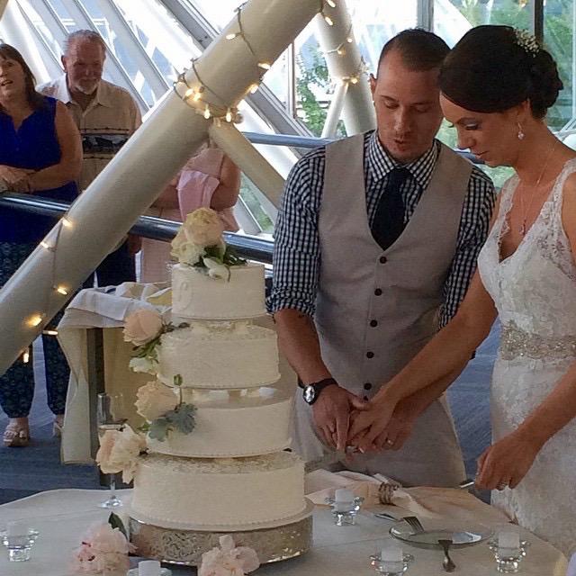Newbold Wedding Cake Cutting