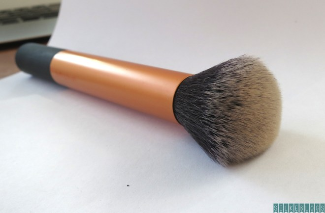 Real Techniques Core Collection Kit Buffing brush