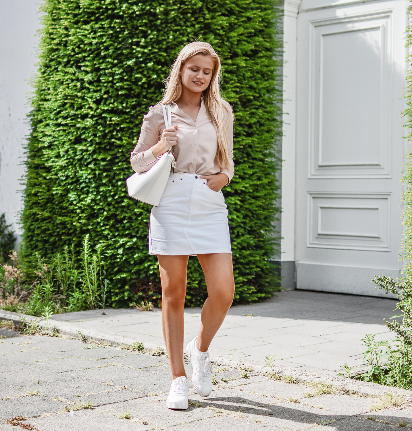 Outfit: A White Skirt