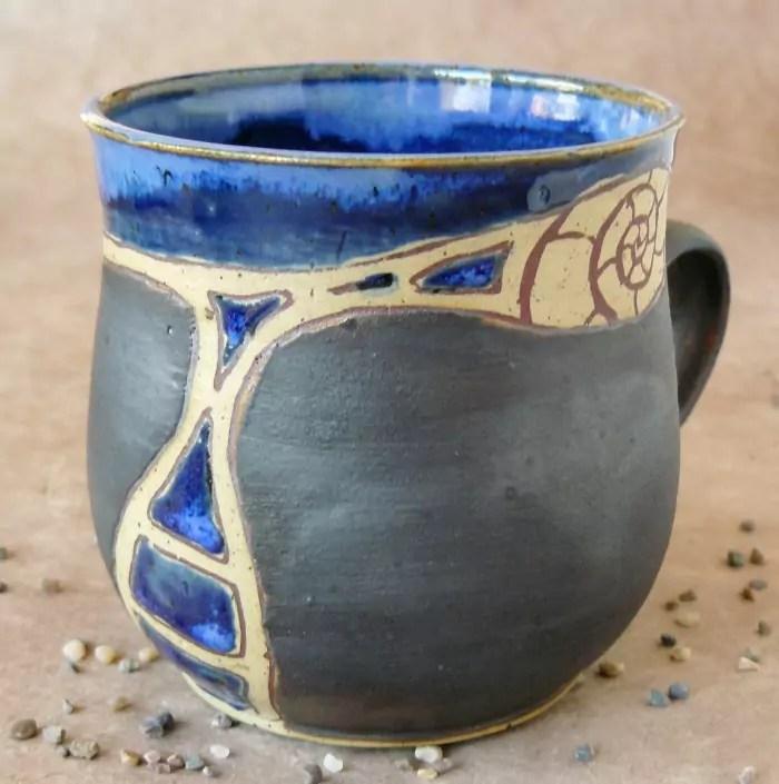 Keramik-Tasse bauchig blau-anthrazit