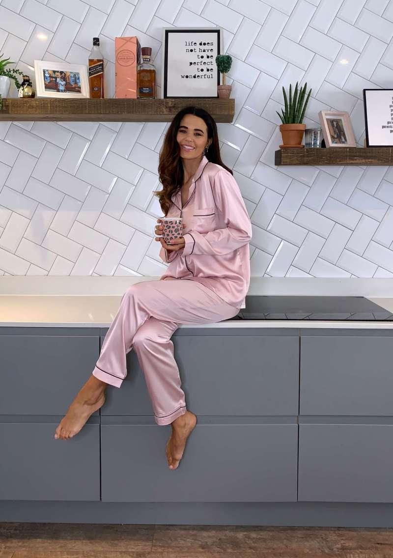 silky-luxe-pink-satin-pyjama-set_sienna-london