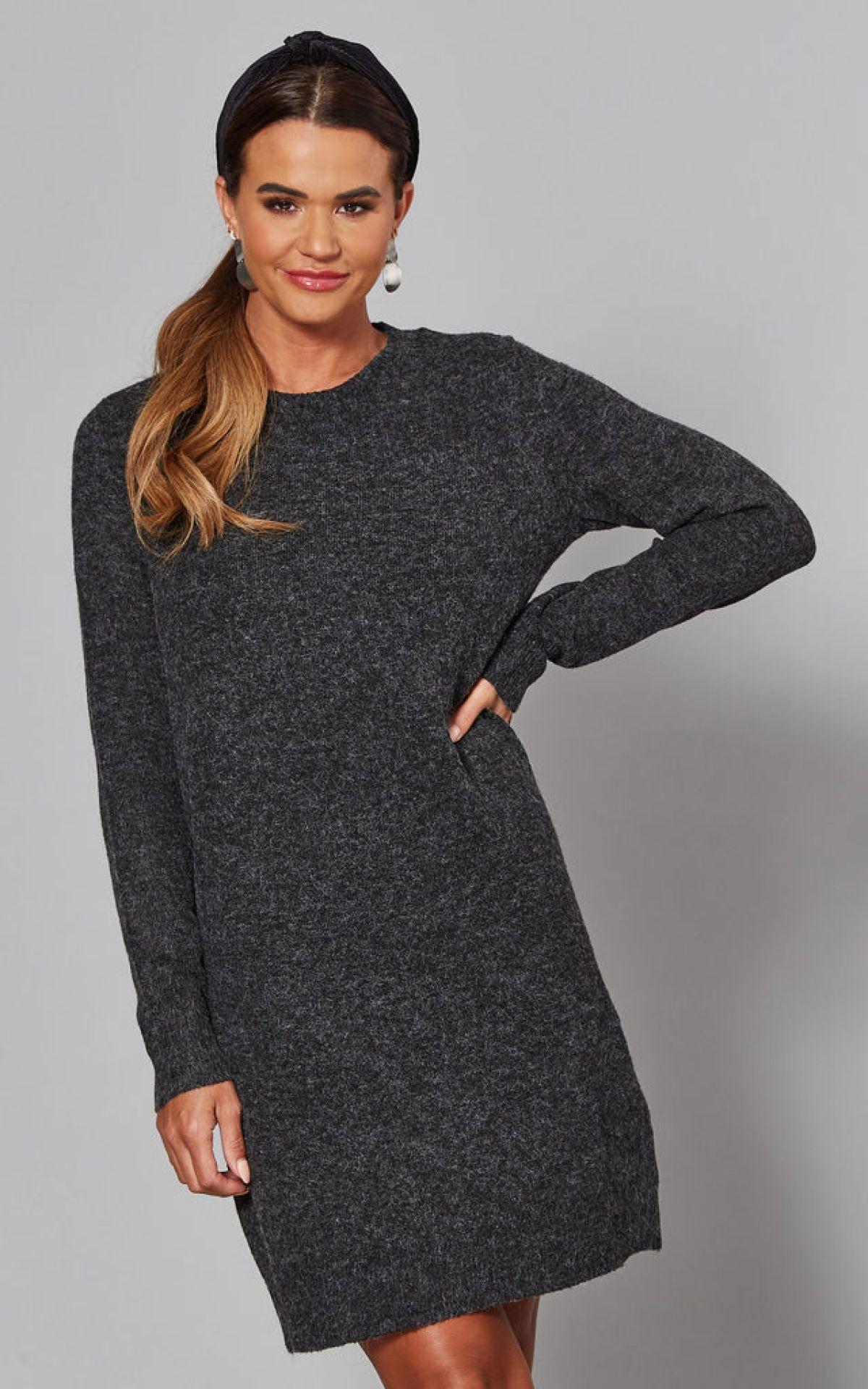 jumper-dress-in-black-summer-sale