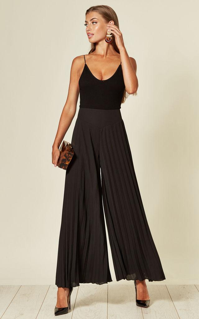 wide leg trousers in black
