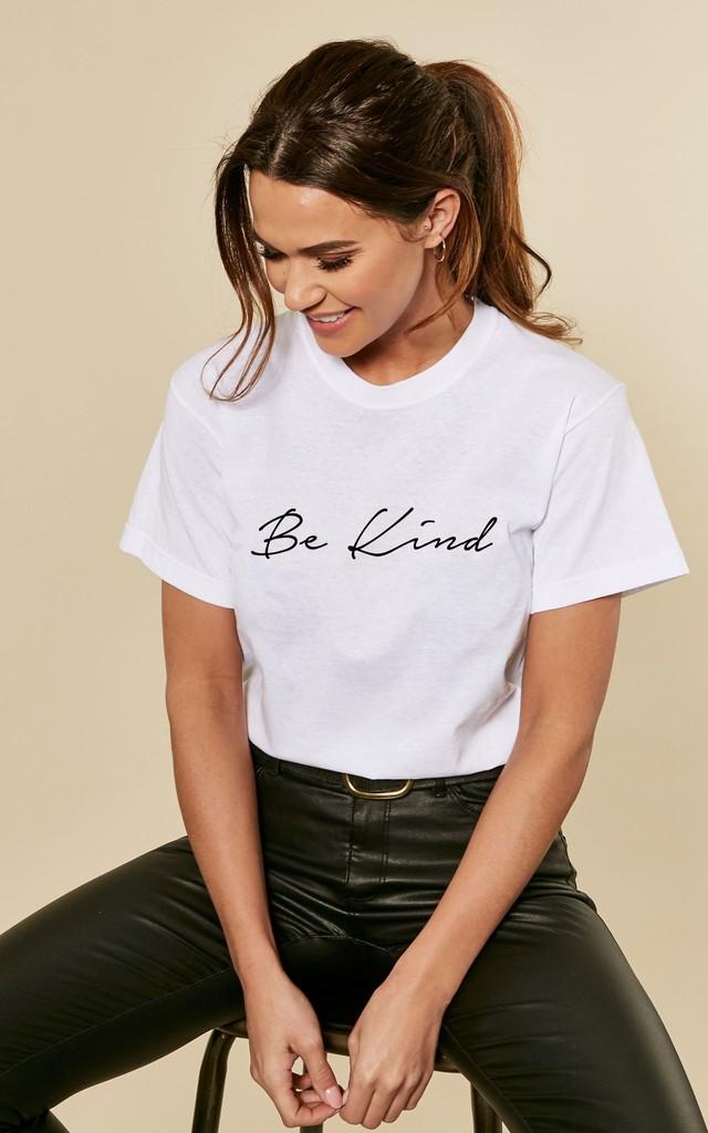 Social Distancing Be Kind Slogan Tshirt