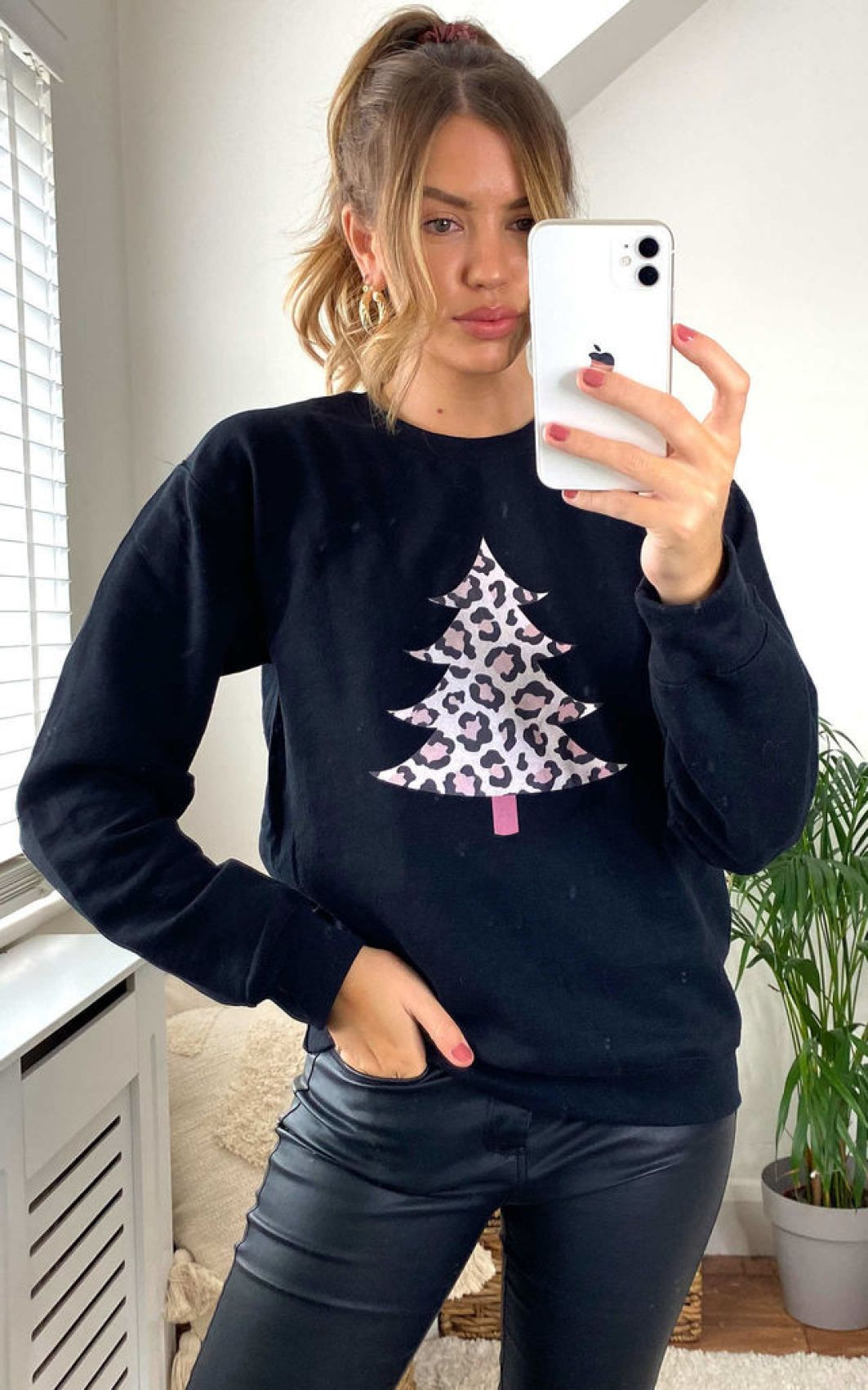 leopard-tree-christmas-jumper