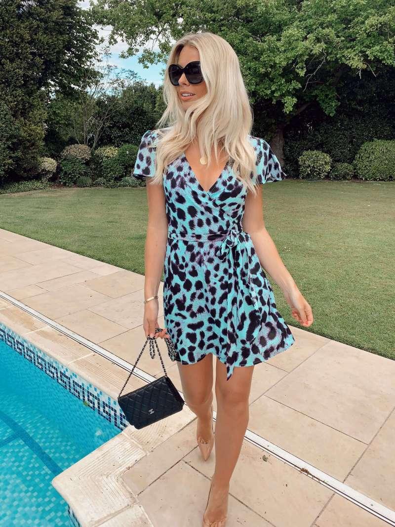 mae-dress-in-summer-leopard_dancing-leopard