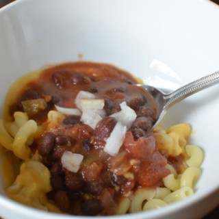 Crock Pot Chili Mac and Cheese