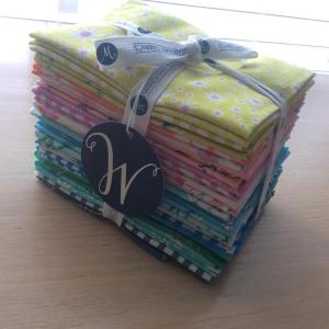 So honored to be giving this daisychainfabric bundle away onhellip