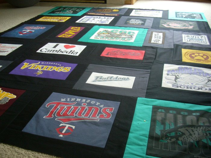 t-shirt quilt finish