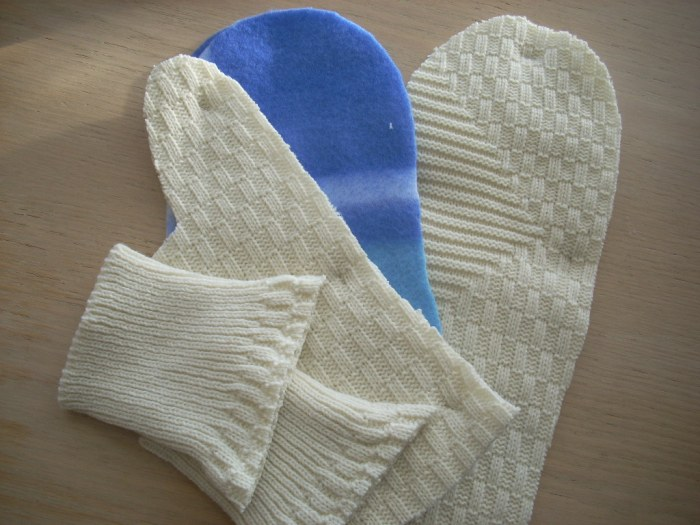 sweater mitten time