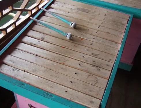 alat musik tradisional Bengkulu Kolintang