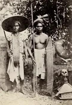 Baju Adat Tradisional Kalimantan Baju Sangkarut