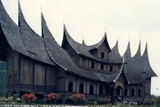 Rumah Tradisional Khas Sumatera Barat