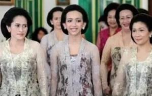 Pakaian putri tradisional Jogja