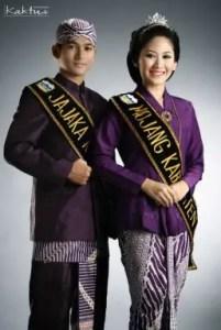 Pakaian Khas Jawa Barat