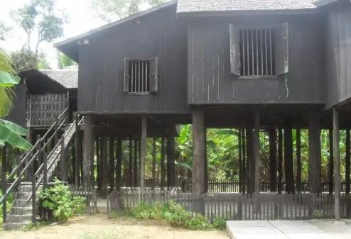 Rumah Tradisi Kalimantan Tengah
