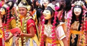 Ulasan mengenai Tari Topeng Dinaan Jawa Barat dan Keterangannya