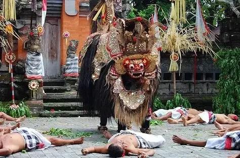 Artikel mengenai Tari Barong dari Bali dan keterangannya