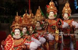 30 Tarian Adat Tradisional Daerah Bali, Gambar dan Penjelasannya