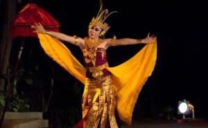 Info tentang Tari Cendrawasih Bali dan keterangannya