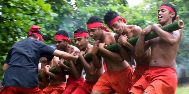 Info terkait Tari Bambu Gila khas Maluku dan Keunikannya