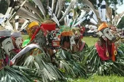 Info terkait dengan Tarian Serumpai Kalimantan Timur dan Penjelasannya