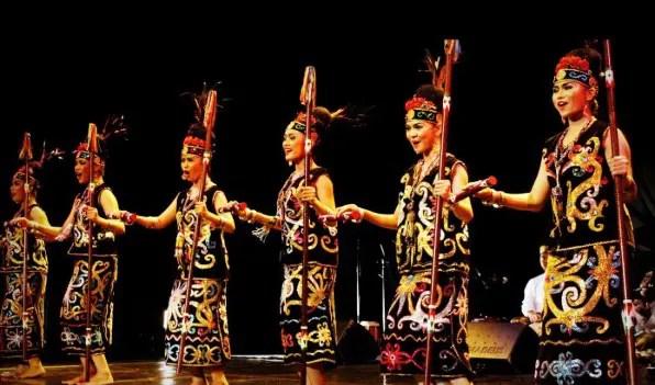 Informasi tentang Tari Gantar Rayatn Kalimantan Timur dan penjelasannya