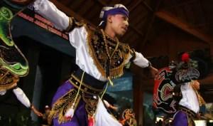 Ulasan mengenai Seni Tari Ambarang Jawa Timur dan Keunikannya