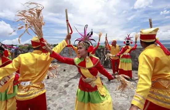 Uraian mengenai Tari Salai Jin dari Maluku yang khas