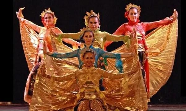 Uraian mengenai Tari Sparkling Surabaya dari Jawa Timur