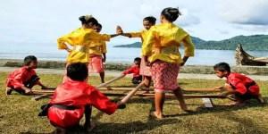 Uraian terkait Tarian Saureka-Reka Maluku dan Sejarahnya