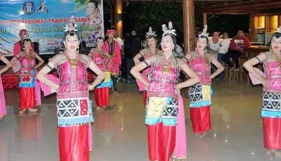 Info mengenai Tari Lariangi Sulawesi Tenggara dan Sejarahnya yang menarik
