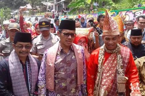 Info terkait dengan upacara Batagak Pangulu Sumatera Barat dan Ciri Khasnya