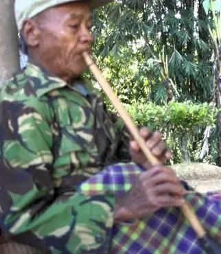 Review tentang Alat Musik Suling Lembang Sulawesi Selatan & Cara Memainkannya