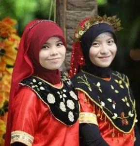 Ulasan mengenai Pakaian Nggembe Sulawesi Tengah dan Sejarahnya